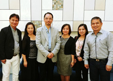 Dr Raymond Cheng with UNP officials